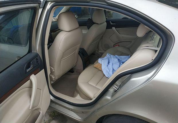 斯柯达明锐 2010款 1.6L 自动 逸俊版 (国Ⅳ)