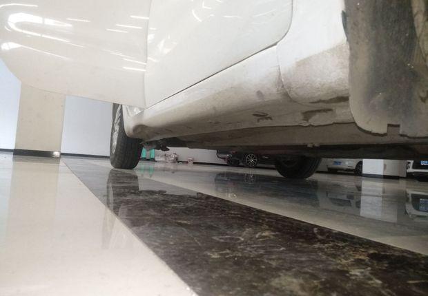起亚K2 2012款 1.4L 手动 4门5座三厢车 TOP (国Ⅳ)