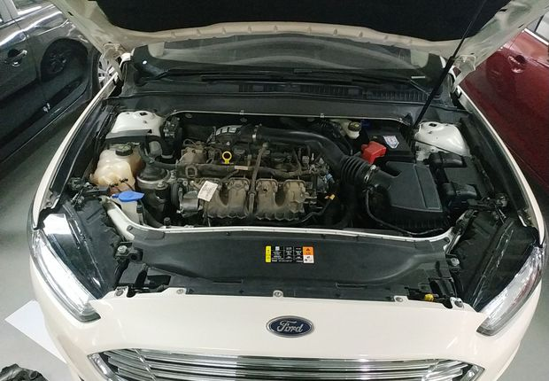 福特蒙迪欧 2013款 2.0T 自动 GTDi240豪华运动型 (国Ⅳ)