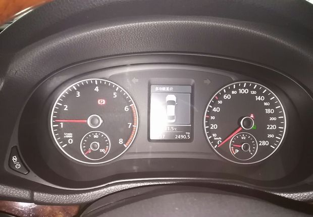 大众帕萨特 2013款 1.8T 自动 汽油 至尊版 (国Ⅳ)