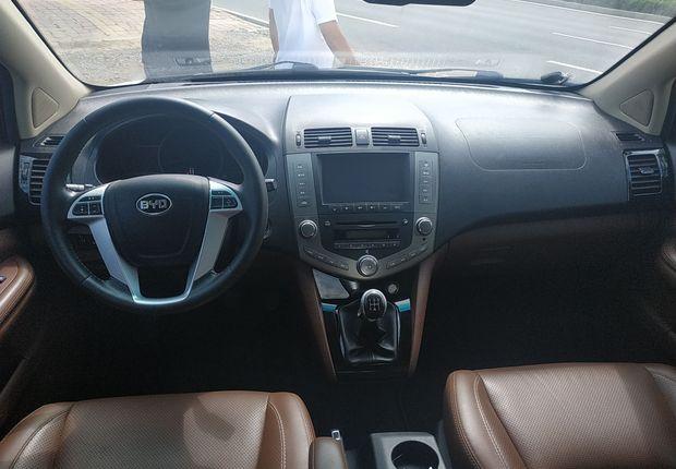 比亚迪S6 2014款 2.0L 手动 前驱 豪华型 (国Ⅳ)