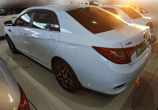 比亚迪G5 2014款 1.5T 自动 旗舰型 (国Ⅳ)